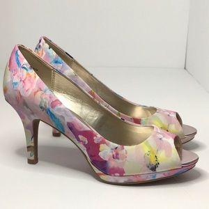 Bandolino B-Flexible Supermodel Floral Heels
